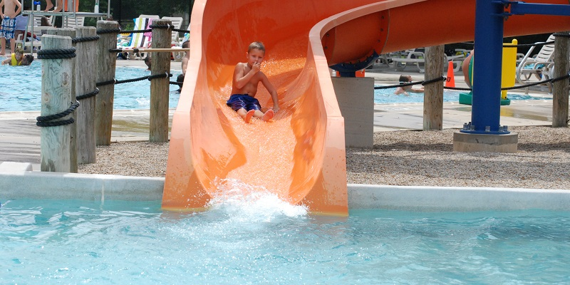 Big Splash at Evans Park Featured Image